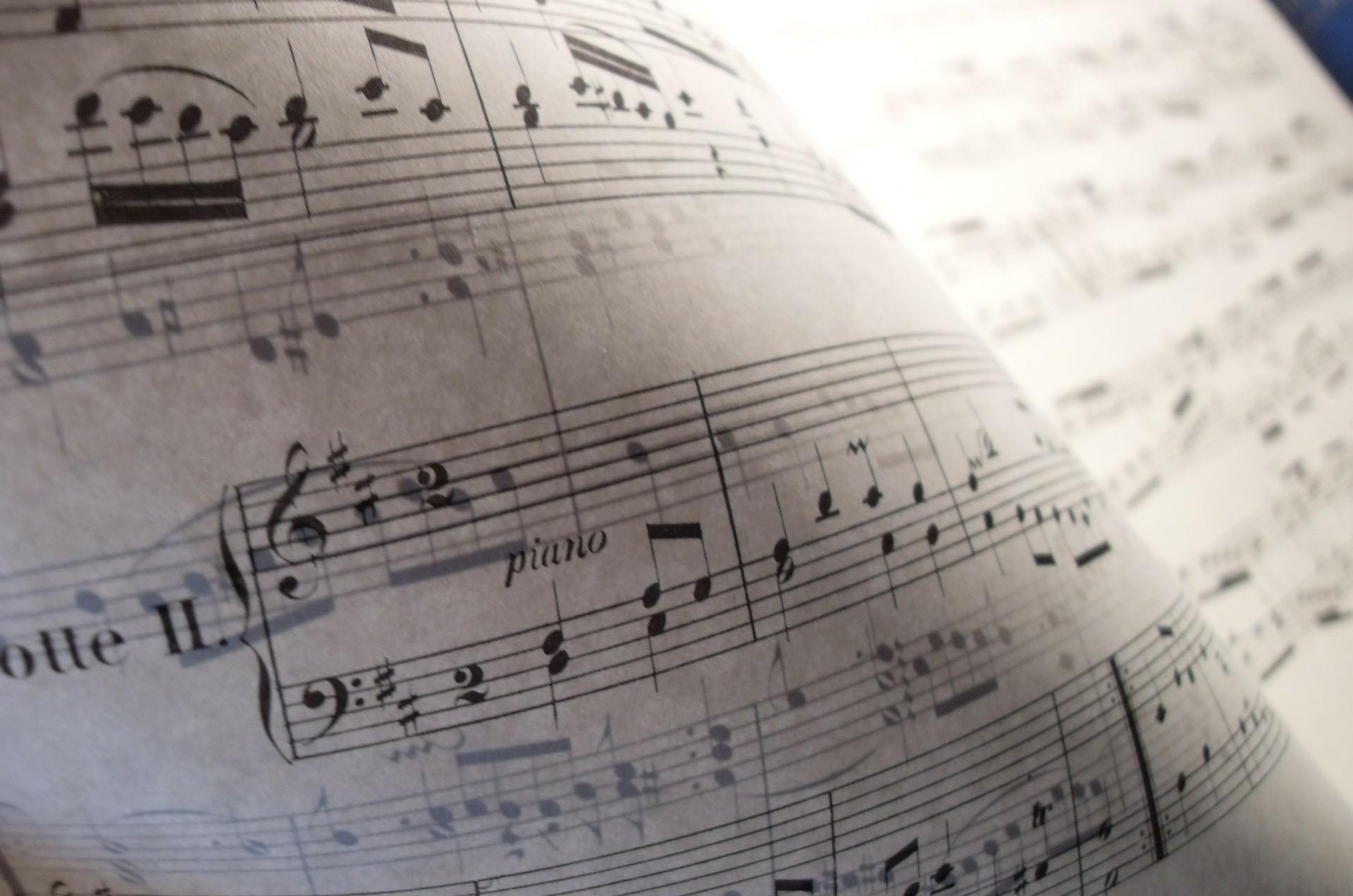 music-277281_1920