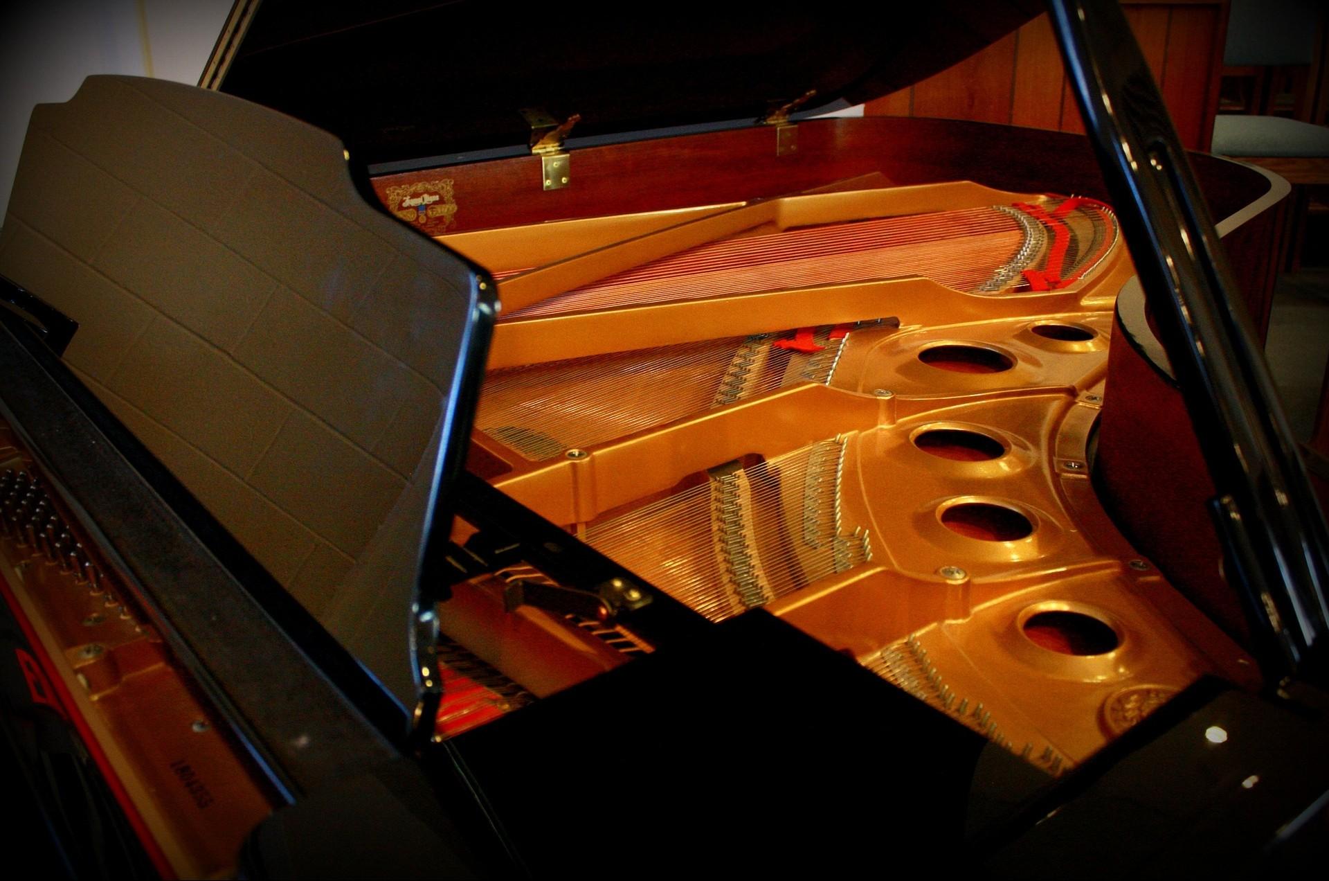 piano-747353_1920